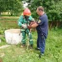 На Лановеччині бійці ДСНС рятували кішку, яка впала у колодязь